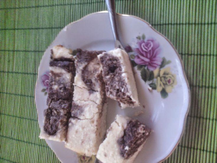 Csokis túrós szelet (paleo)Hozzávalók:600 grTotu4 dlkókuszkrém15 dkg