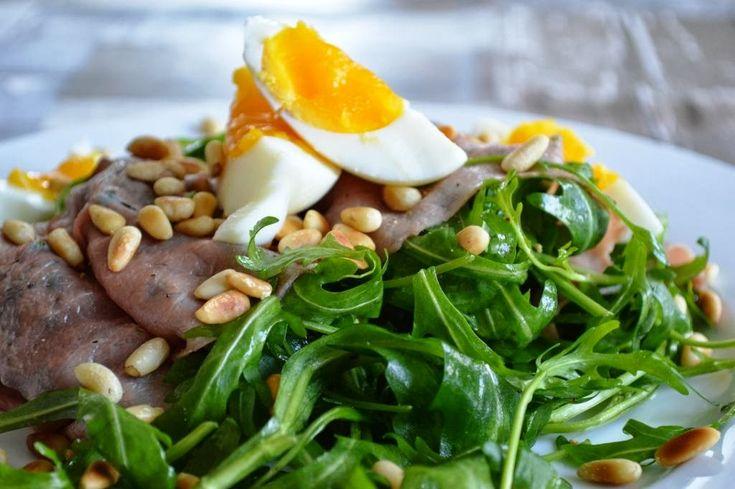 De keuken van Martine: Rucolasalade met rosbief en ei