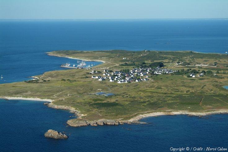 Ile d'Hoëdic située au sud de l'entrée du Golfe du Morbihan (56) à environ 18 kms, près de Houat (56) France