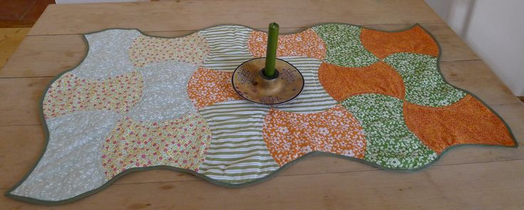 applecore table runner