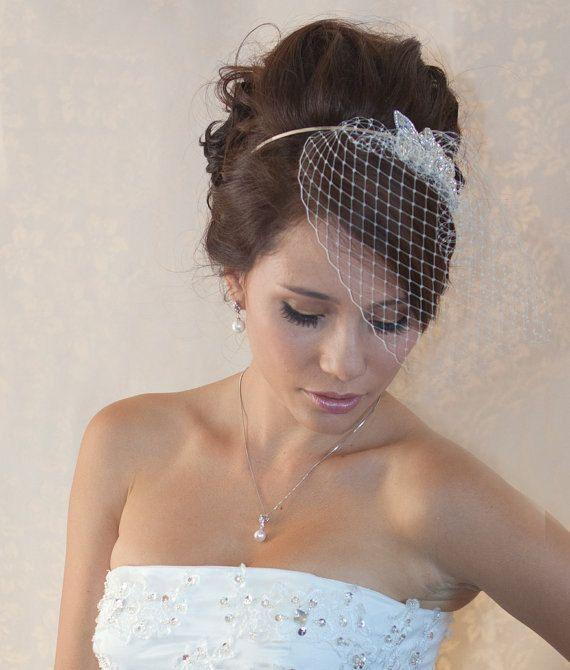 Wedding Birdcage Veil with Crystal rhinestone brooch VI0101