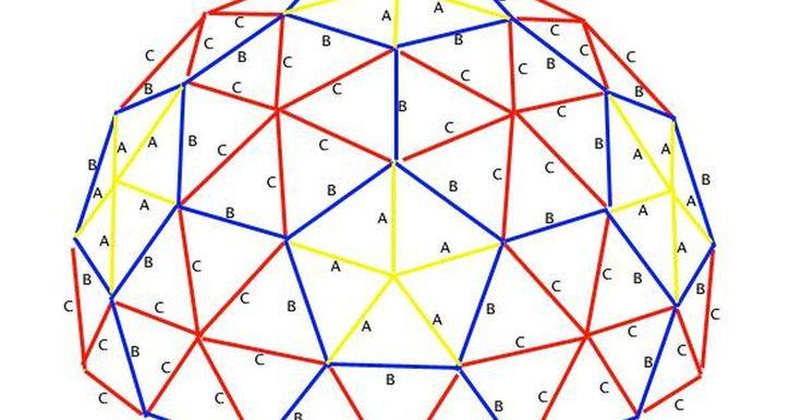 Cómo construir una maqueta de una cúpula geodésica. Construir una maqueta de una cúpula geodésica es una forma de comenzar a comprender de manera detallada su extraordinario diseño y su simplicidad. Puedes construir una maqueta tridimensional de una cúpula geodésica con artículos comunes que usamos en nuestro día a día.