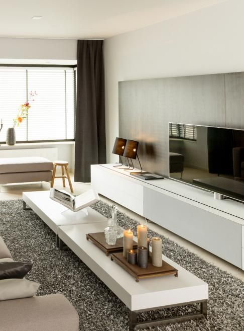 Modern livingroom. White furniture - Remy Meijers