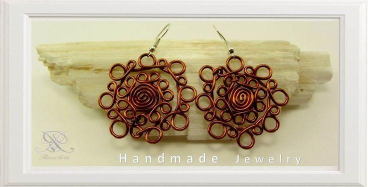 Diseño en flor bonita, hecha a mano. de rociarte por DaWanda.com
