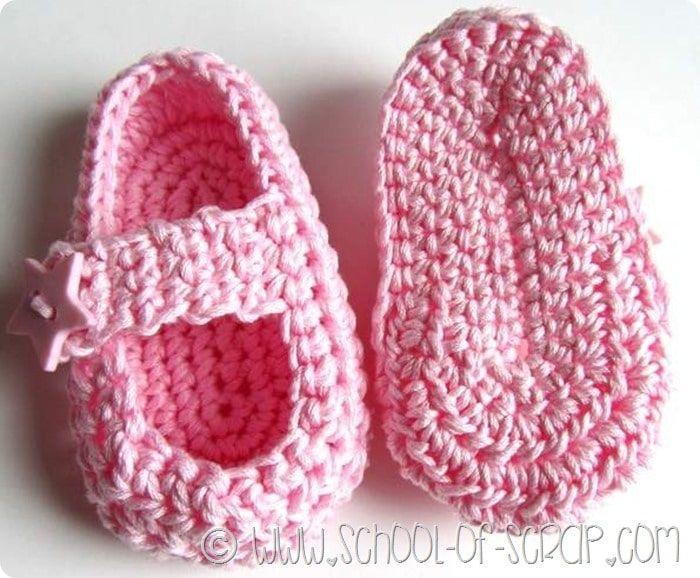 Ccarpine per neonati fatte all'uncinetto, ecco come si fanno le solette nel modo giusto.