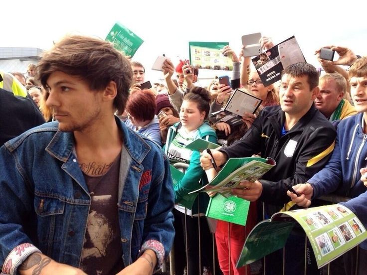 Louis in Glasgow today, on his way to Celtic Park for his charity football match!