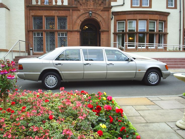 A 6/7 seat Mercedes -Benz Limousine in champagne gold is perfect for your wedding party. www.goldchoiceweddingcars.co.uk