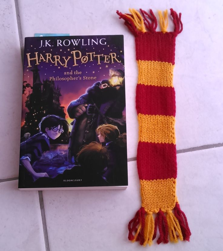 Harry Potter Gryffindor House bookmark scarf, by The Knitting Alley on etsy.com