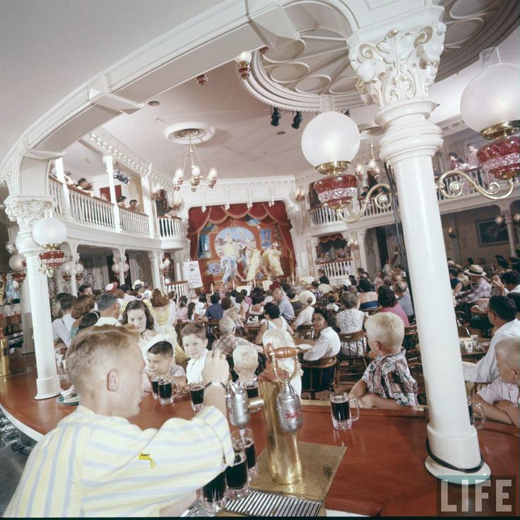 Best DisneylandThe Early Days Images On Pinterest - 18 amazing rare colour photos disneyland 1955