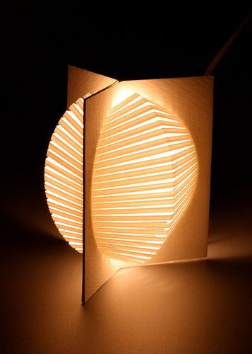 origami lantern. want this! can't find the tutorial... ;(