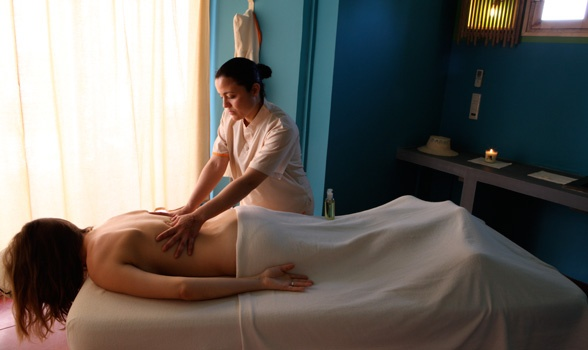 The benefits of #massage are the high priority of #DarHI with traditional Arab massage, scrubbing within the hammam and different oriental techniques (thaï, ayurvedic…) that will be put in place by Bertrand Poncet who is our well being partner at the #HIHotel. The masseurs are all local and will be trained by several techniques by Bertrand Poncet's team.