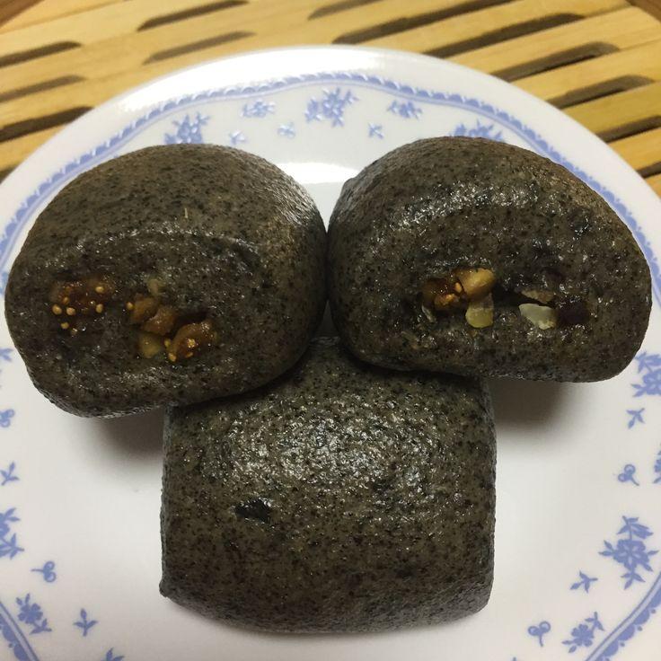 Sourdough Black Sesame Black Okara Mantou