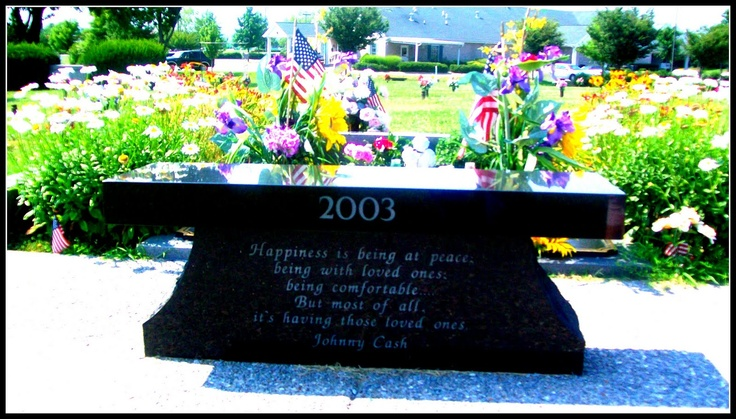 The bench at the june and Johnny Cash gravesite.