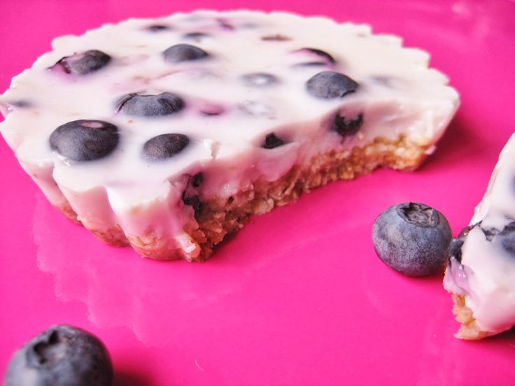 Kleurrijk Eten: Yoghurttaart met blauwe bessen