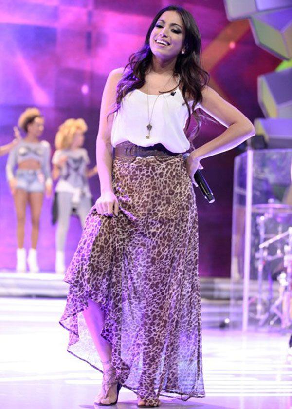 Saião de oncinha! Anita arrasa como apresentadora → #redeglobo #gshow #moda…