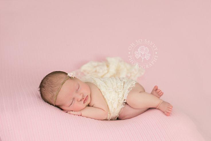 Ohsosavvyphotography grimsby newborn photography newborn posing side laying pose