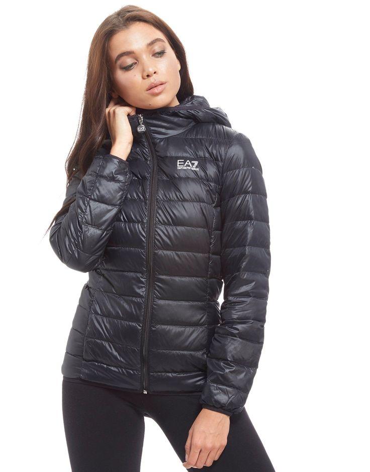 Shop den Emporio Armani EA7 Core Jacke in Schwarz Jacken