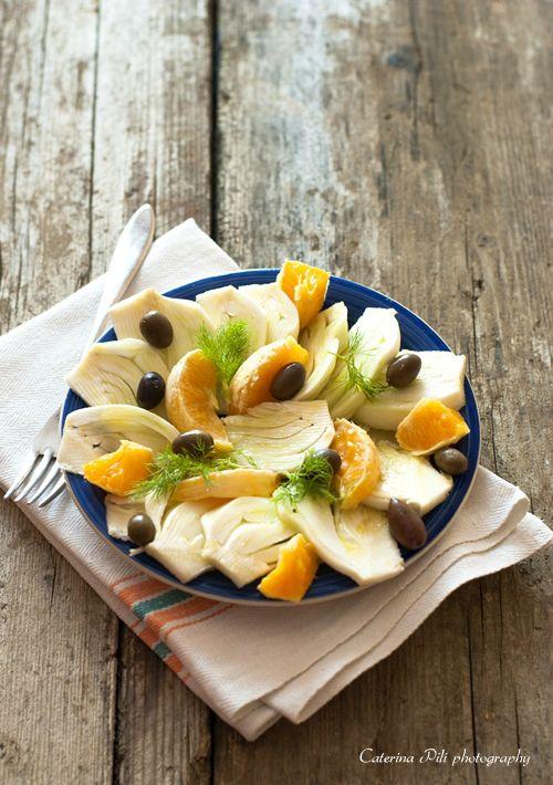 insalata autunnale con finocchi,arance e olive taggiasche, un piatto leggero brucia grassi