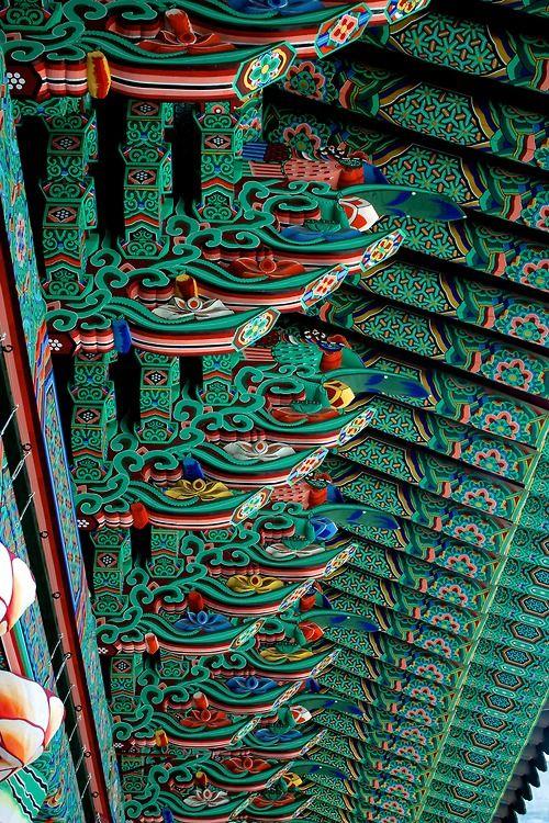 Roof Painting, Jogyesa temple, Korea