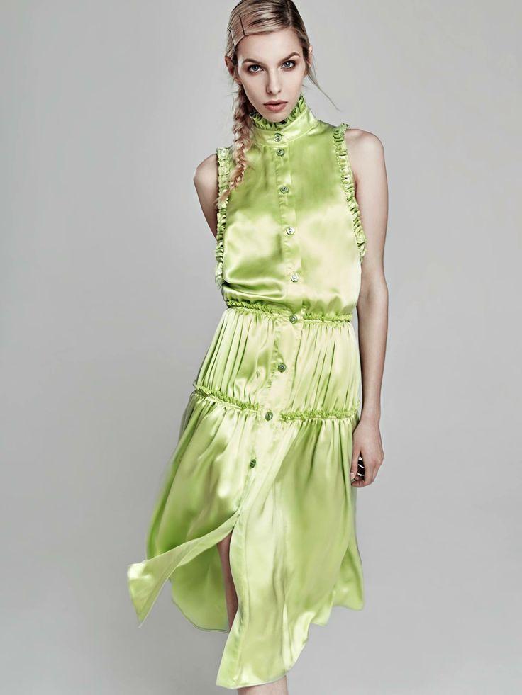 Oana Pop green fistik, silk dress !  #fashion #fashioncollection #oanapop #fashionbrand #fashionindustry #dress #silkdress #greenfistik #frills #details #fashionmagazine #fashioneditorials #fashionphotography #fashionitems #model #art