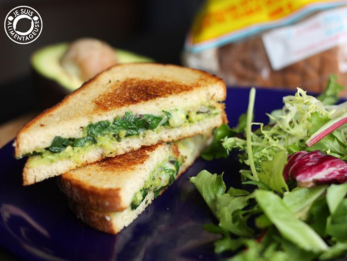 Avocado Pesto Grilled Cheese Sandwiches | Je suis alimentageuse