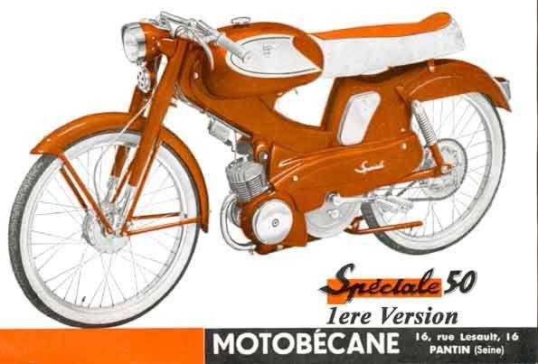 Motobecane-Spéciale-50-1962-moteur-monocylindre-2temps-graissage-par-melange-cylindre-aluminium-chemisé-éclairage et allumage par volant-magnétique,carburateur étanche avec silencieux, commandes à poignée tournante, Chassis-coque-intégrale-réservoir-essence-4,5 litres embrayage-automatique-Dimoby-changement-de-vitesse-automatique Mobymatic-suspension avant à fourche à balancier, arriere par bras oscillant, chaine motrice enfermée sous carter, pneumatiques 2,25 x 18, moyeux freins monoblocs…