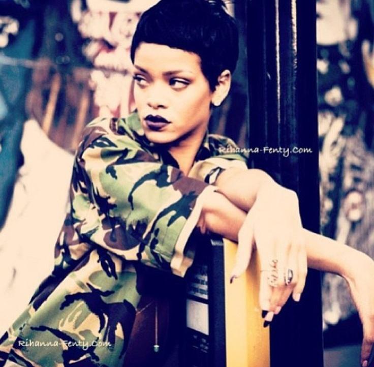 17 Best images about Rihanna photoshoot on Pinterest ...