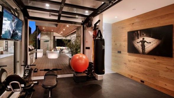 eigenes fitnessstudio zu hause einrichten fitnessstudio. Black Bedroom Furniture Sets. Home Design Ideas