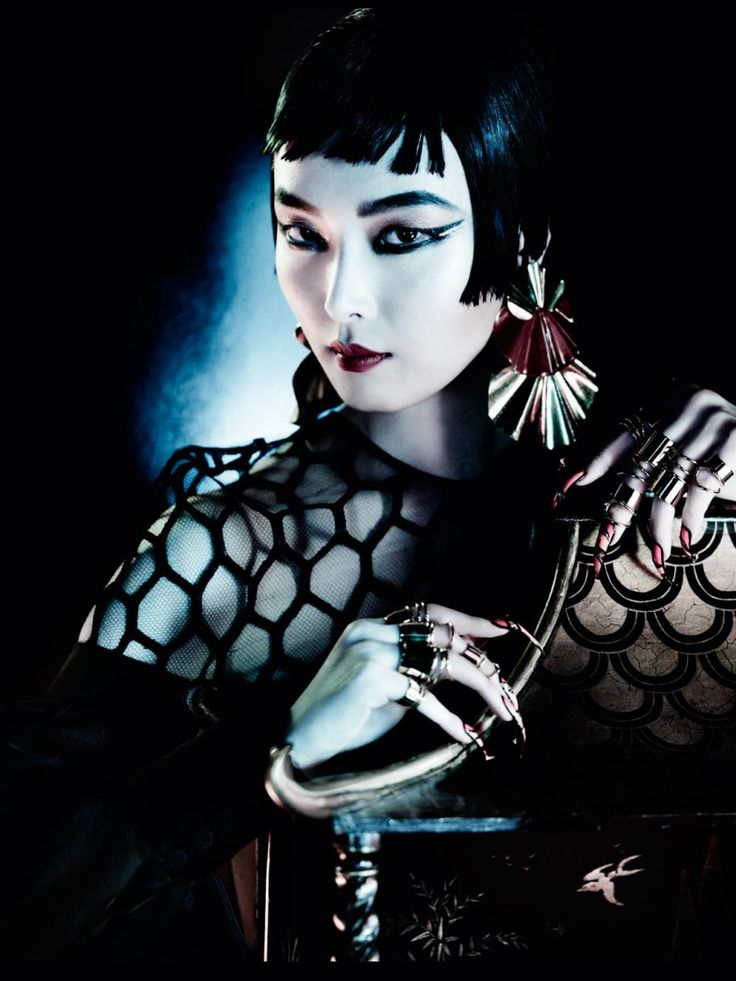 'Orient Express' editorial photographed by Mario Testino for Vogue UK, March 2013.