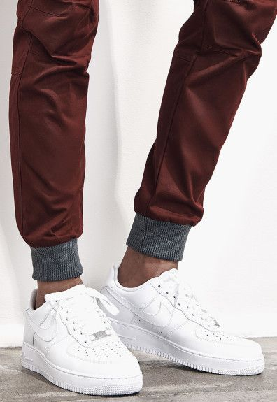 how to wear jogger sweatpants guys