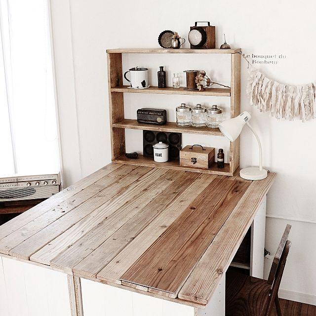 ユーズド感がたまらない!足場板で床もテーブルもお家まるごとDIY | RoomClip mag | 暮らしとインテリアのwebマガジン