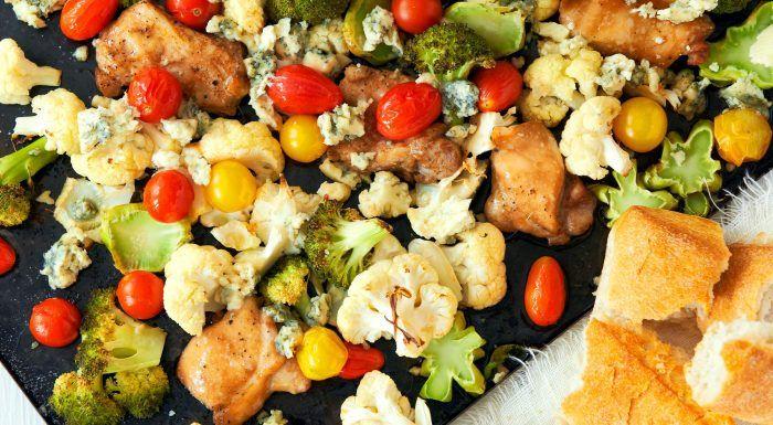 Kycklinglår med broccoli, blomkål och ädelost