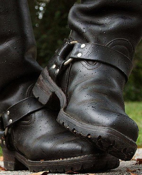Gay men and boots : Photo