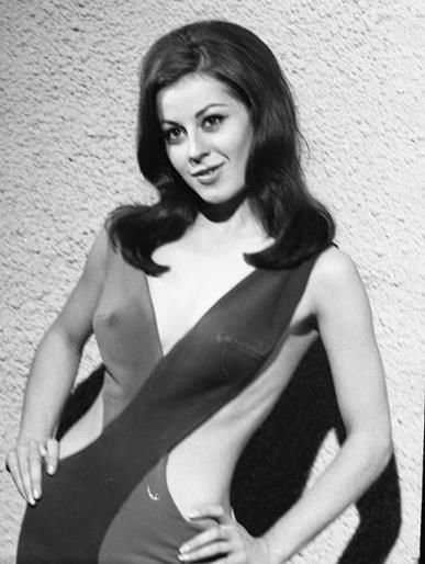SHERRY JACKSON UNPUBLISHED PRIVATE FILES BUSTY IN STAR TREK 8x10 Photo ST6