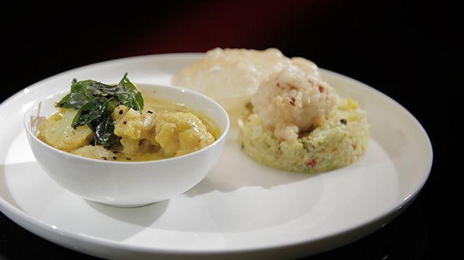 Cauliflower Curry with Cauliflower Rice and Pakora