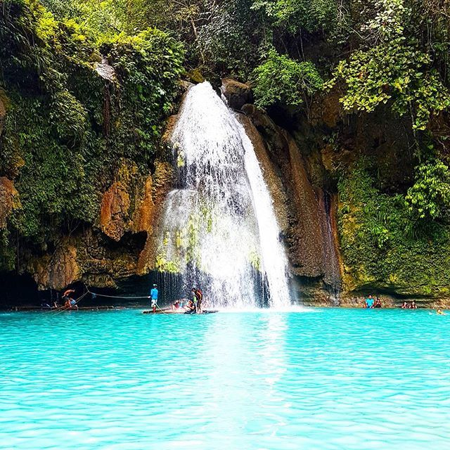 One of the places that you must not miss when you visit #philippines a magical water falls in the depths of this simple yet outrageous city of south #cebu 😍 . . To know more bout the details of my vacation visit my blog ↙↙ Lexieanimetravel.wordpress.com  Or click the link on my bio . . 🔸🔸🔸🔸🔸🔸🔸🔸🔸🔸🔸🔸🔸🔸🔸🔸🔸🔸🔸🔸 #bucketlist #wonderlust #wonderful #travel #travelworld #travelgram #traveler #travelasia #traveladdict #visitphilippines #wowphilippines #itsmorefuninthephilippines…