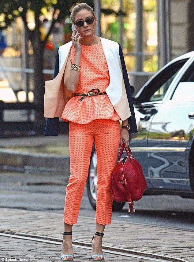 Olivia Palermo, naranja y rojo
