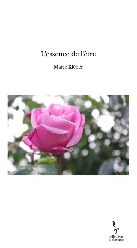 Premier recueil de poésie - sur l'essence de nos vies et nos ressurections