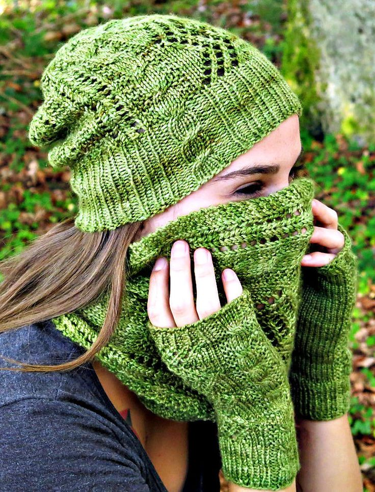 Free Knitting Pattern for Stairway to Heaven Hat, Cowl, and Mitts Set - Matching cable and lace slouchy beanie, fingerless mitts, and infinity scarf cowl. Worsted weight yarn. Designed by Asita Krebs. In English and German.