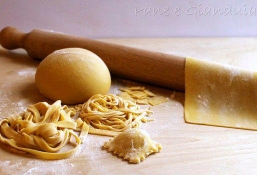 Pasta all'uovo impasto base