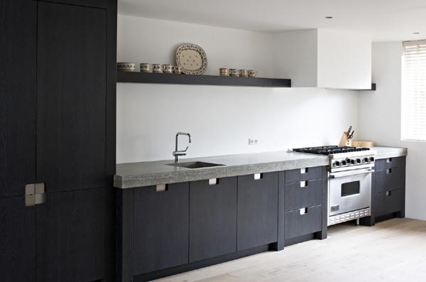 17 beste idee n over grijze keukens op pinterest beschilderde keukenkastjes grijze kasten en - Kleur grijze leisteen ...