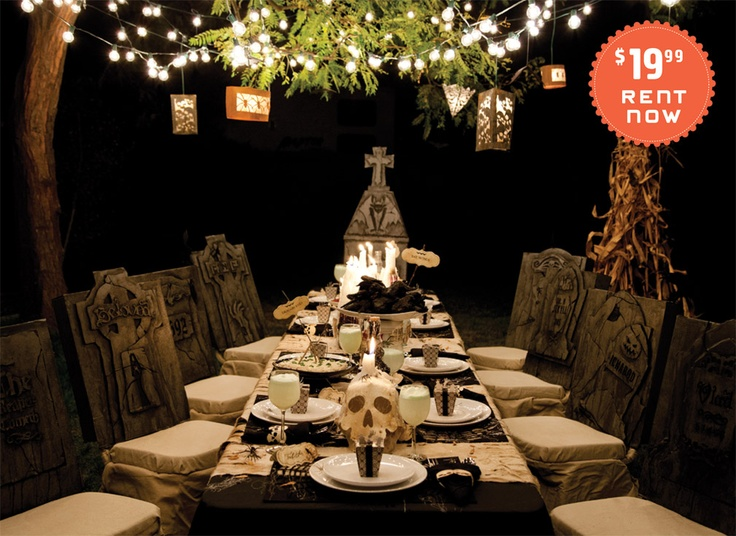 halloween table setting check out this amazing halloween table setting skulls name plates - Halloween Table Settings