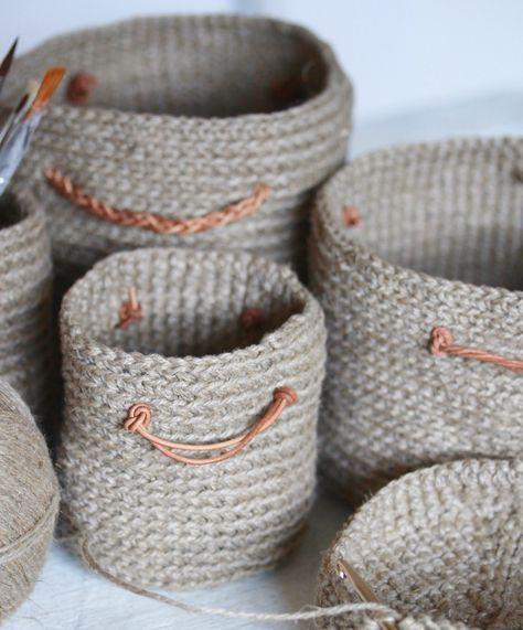 Gehäkelte Körbchen für Krimskrams aus Schnur für meinen Schreibtisch — mein Jahresvorsatz |