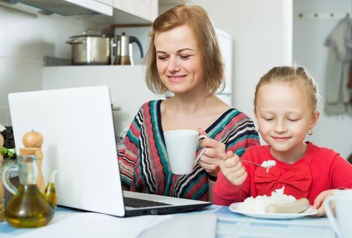 5x wat ik mijn dochter probeer mee te geven over de combinatie werk en gezin. Herken jij er wat van? http://www.mamsatwork.nl/5x-combinatie-werk-en-gezin/