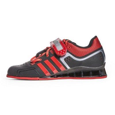 0d6dd8e63d3f66 Adidas senaste tyngdlyftarsko AdiPower har allt en krävande tyngdlyftare  begär. Att rätt skor och stabilitet under tunga lyft ger skillna…
