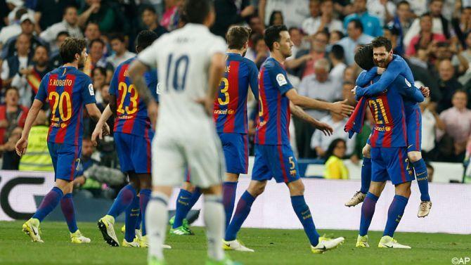 Barcelona heeft de Clasico gewonnen. Lionel Messi besliste de Spaanse topper met een doelpunt in de allerlaatste minuut.