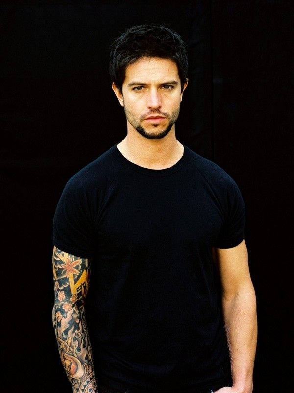 Jason Behr. Love him in Breakout Kings. Even if he is a little crazy. @Nicole Novembrino Meyer this is the one I texted you about.