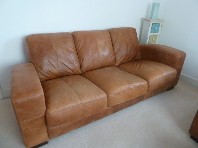 Large 3 Seat Brown Leather Sofa DFS Caesar In Colour Ranch GRAB A BARGAIN