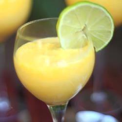 Mousse crémeuse à la mangue @ allrecipes.fr