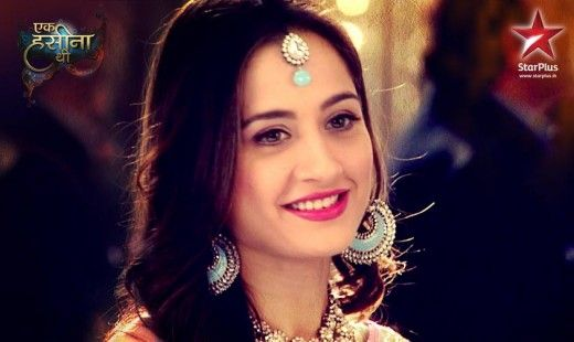 Beautiful Sanjeeda Sheikh as Durga from my obsession Ek Hasina Thi - each episode of this show is fast paced and eventful, and she plays all of the facets of Durga Ma so well! This picture is from the engagement episodes: with the perfect teal/sky-blue colour scheme, her adorable tikli/tikka and her kundan jewellery aahh!! Not to mention her beautiful saree and just how radiant she looks, as well as Aamir Ali her husband in his cameo